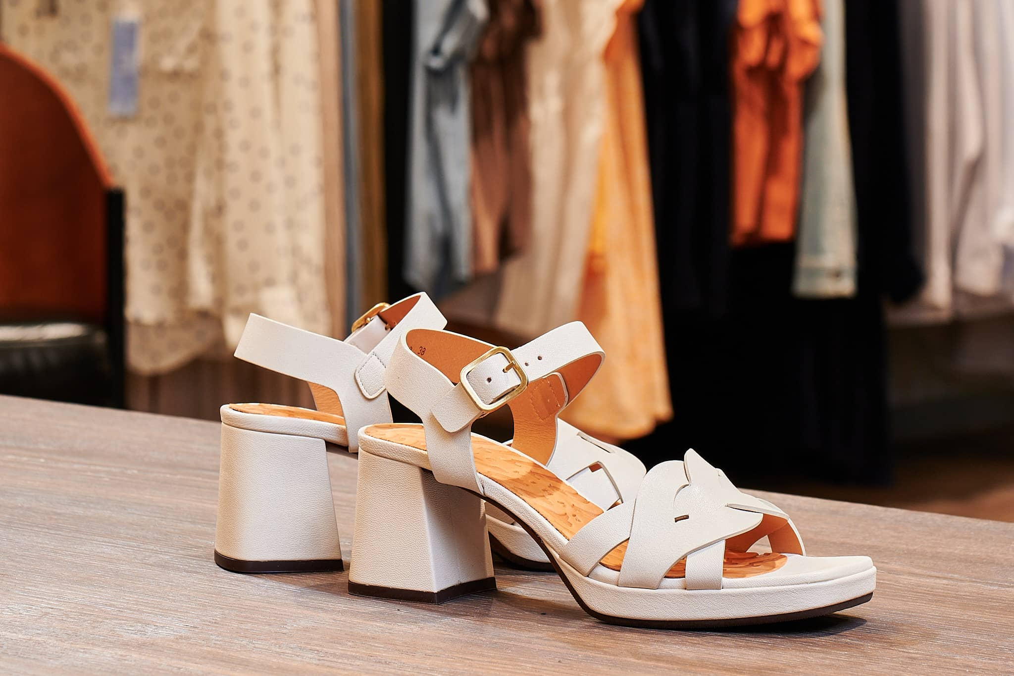 Chie Mihara Sandalette Creme